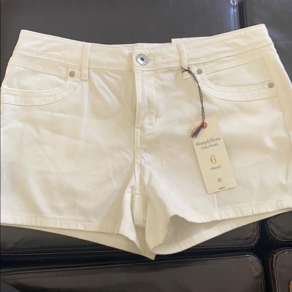 NWT Vera Wang Shorts Size 6